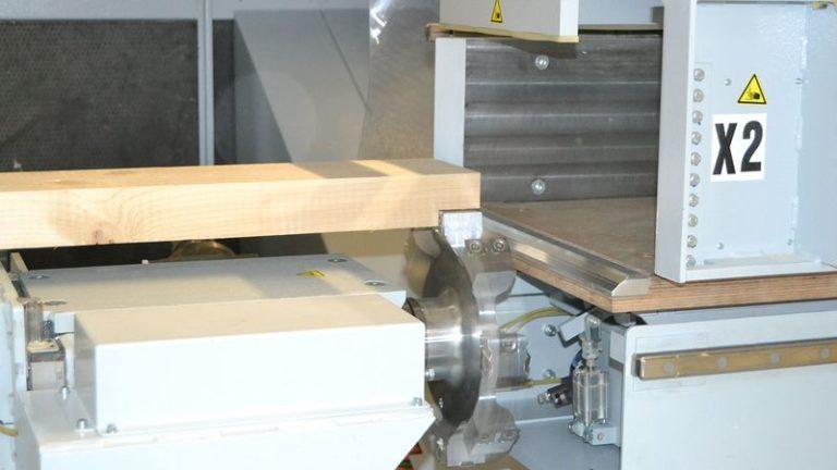 Těžké tesařské obráběcí CNC centrum HOMAG Weinmann BEAMTEQ B-660