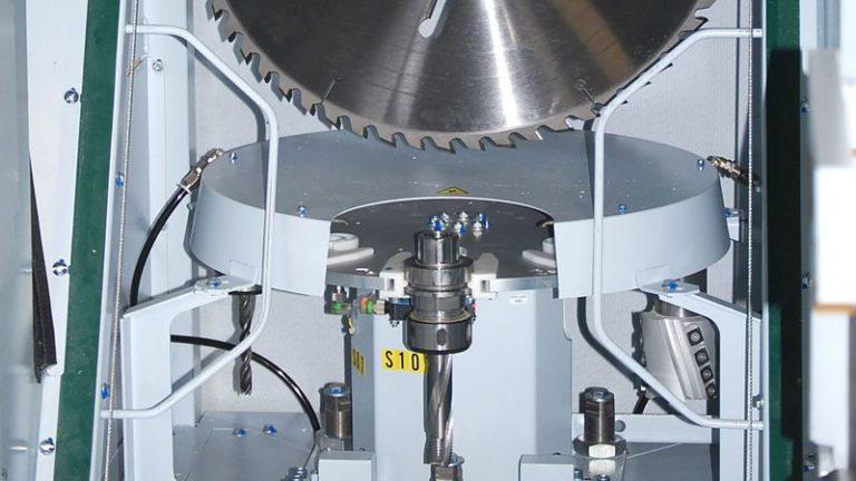 Univerzální tesařské obráběcí a nářezové CNC centrum HOMAG Weinmann BEAMTEQ B-540