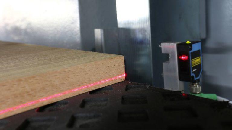 Univerzální širokopásmová bruska SANDTEQ W-200 šířka dílce