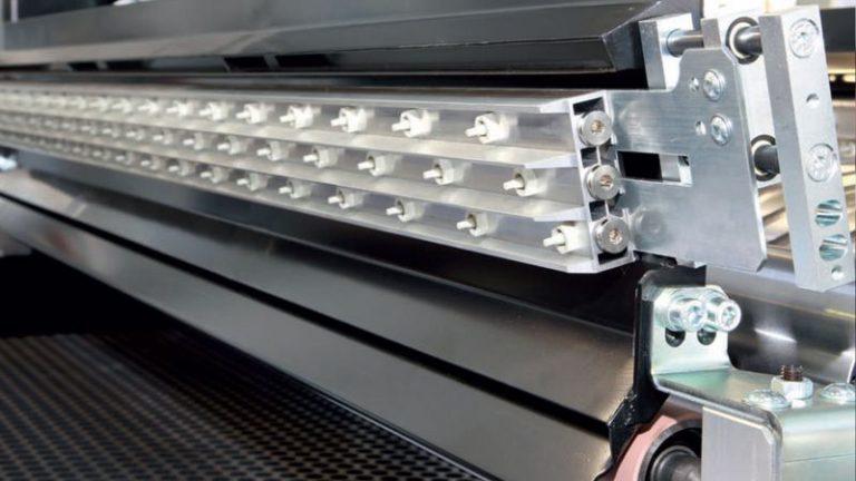 Precizní širokopásmová bruska SANDTEQ W-300 ofuk pásu