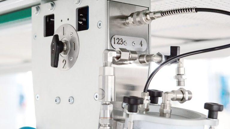 Lakovací stříkací automat SPRAYTEQ S-100 barvy