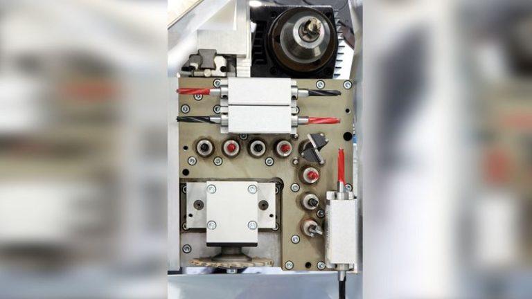 Konfigurace vrtací hlavy V8 pro BHX 050